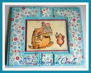 Card con colorazione distress ink e pennarelli acquarellabili