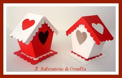 Casette e scatoline portaconfetti bianche e rosse